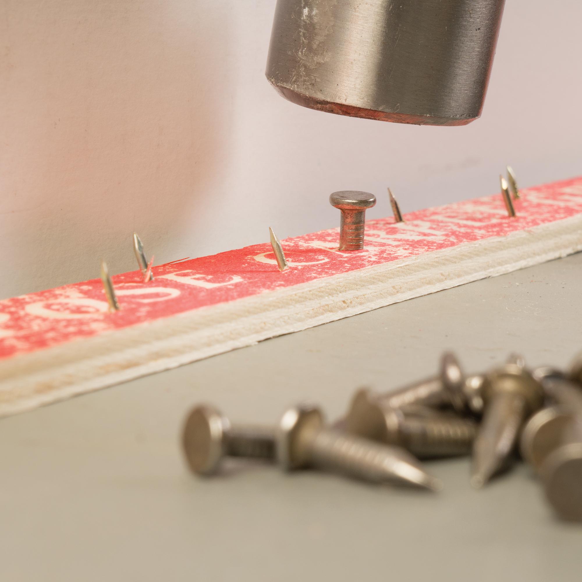 10 Gauge Concrete Nails